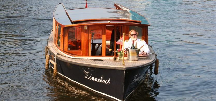 Saloonboat I