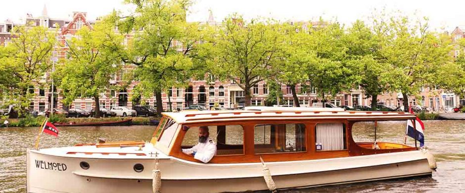 Saloonboat VI