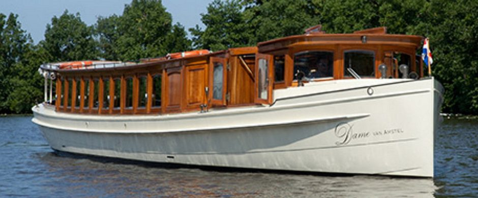 Saloonboat XII