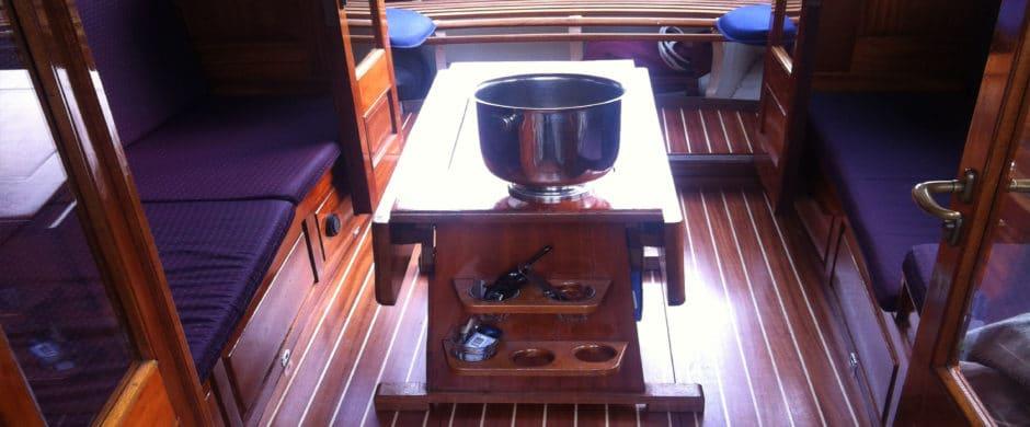 Saloonboat IV