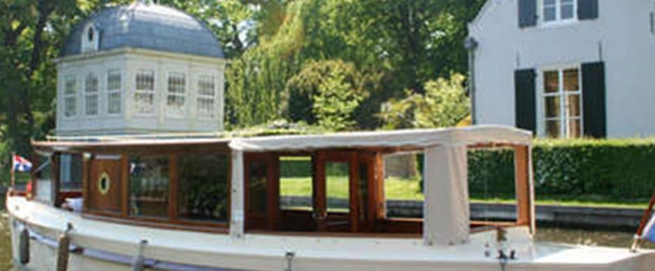 Saloonboat V